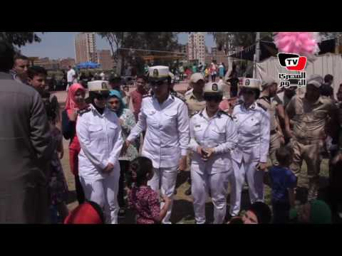 قوات الشرطة النسائية تتفقد أجواء احتفالات شم النسيم بحدائق المنصورة  - 15:21-2017 / 4 / 17