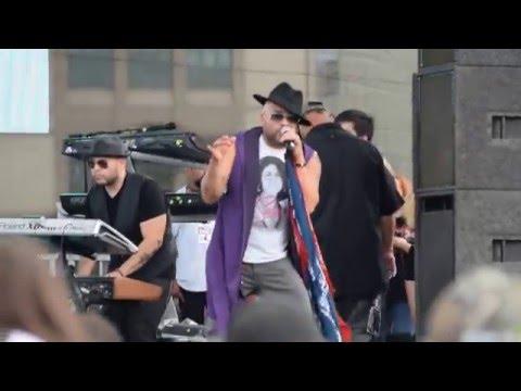 Chris Perez Band performing Refugio