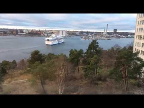 M/S Silja Serenade docking at Stockholm Värtahamnen port (Time Lapse)