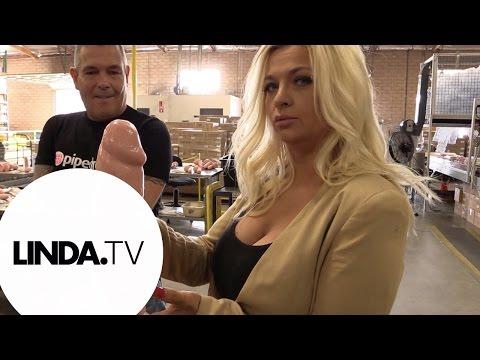 Bobbi gaat naar de sextoys fabriek || Afl. 3 Bobbi gaat dieper || LINDA.tv
