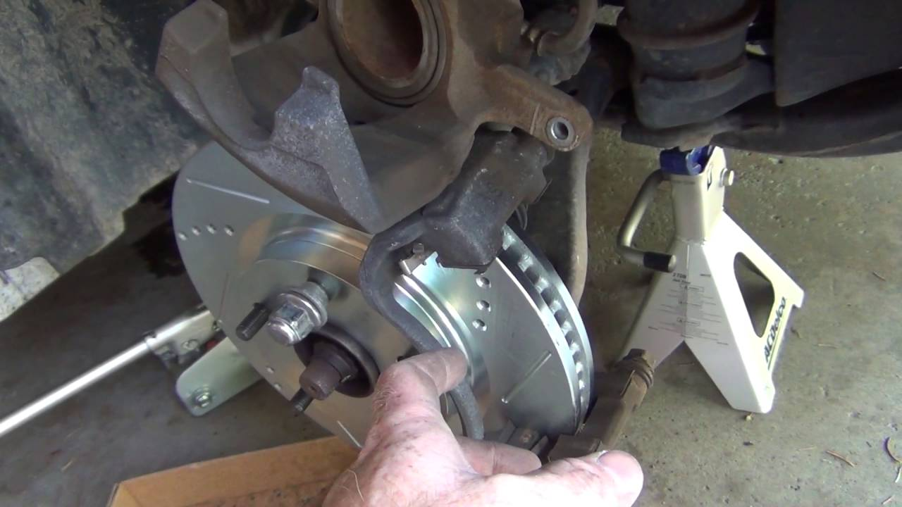 2010 Toyota Camry Le Front Rotor Pads Replacement