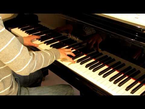 """Skyfall - Adele"" (James Bond 007: Skyfall OST) played on piano"