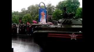 Первый парад победы в ДНР. Донецк 9 мая 2015 год.(Первый парад Победы к 70-летию Великой отечественной войны прошел сегодня 9 мая в Донецке.Десятки тысяч люде..., 2015-05-09T08:39:57.000Z)
