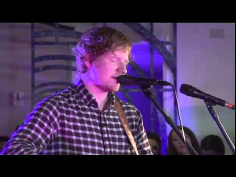 ED SHEERAN  Chasing Cars   ACOUSTIC MTV HDHQ