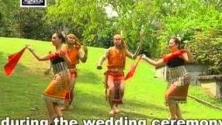 Iban Traditional Dance - Ajat Atas Tawak