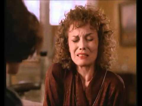 Twin peaks - episode1 - Sarah's break down