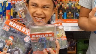 NEW ROBLOX SERIES 2 TOY HUNT!! IT'S THE DILLY YO! WE FOUND A BUNCH AT TOYS R US!!!!