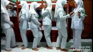 Download Video Abg Jilbab Goyang Naik Turun Oles Bikin uuhh MP3 3GP MP4