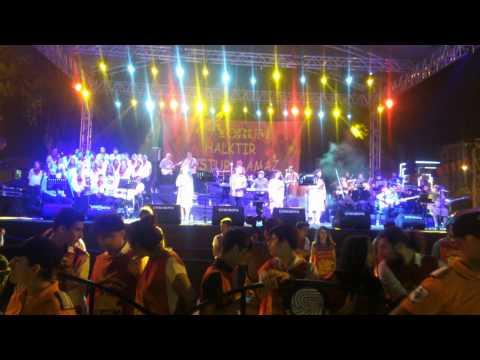 Grup Yorum 30. Yıl Konseri Adana -  Bu kente yalnızlık çöktüğü zaman