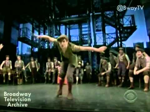 King of New York - NEWSIES (Thanksgiving Parade 2012)