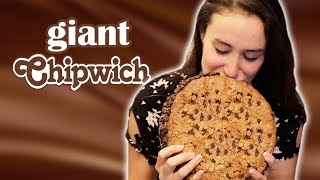 GIANT ICE CREAM COOKIE SANDWICH - VERSUS