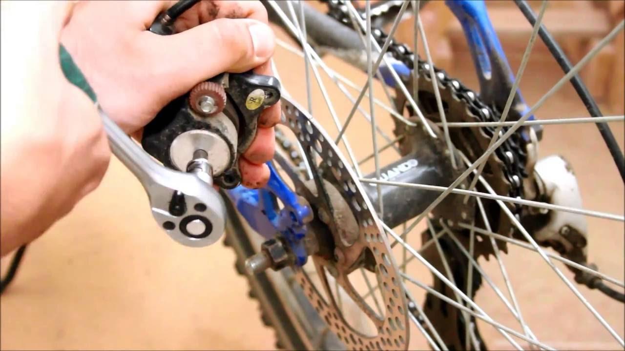 При смазке велоцепи в гидравлические тормоза попала смазка