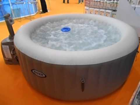 Intex whirlpool aufblasbar jacuzzi youtube for Whirlpool garten mit alubretter balkon