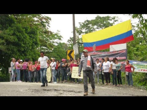 Colombian Villagers Blockade State Drilling Project