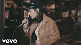 Смотреть клип Marcela Tais - Ame Mais, Julgue Menos