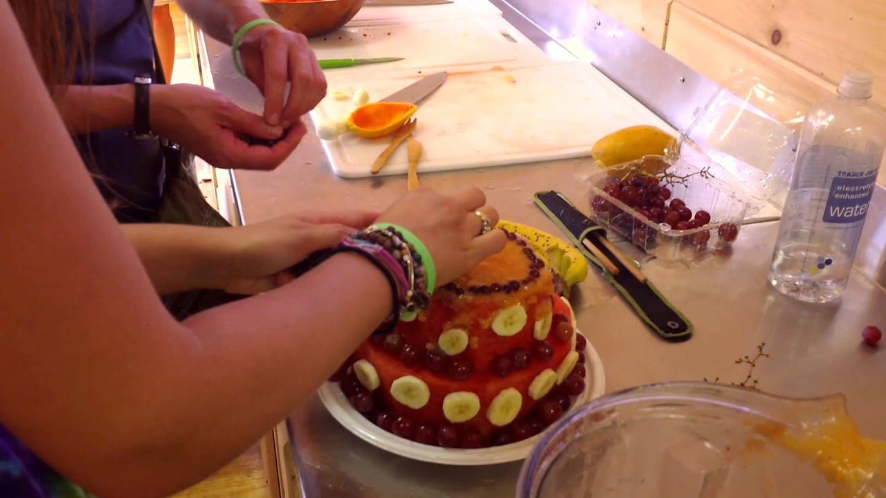 How To Make A Raw Food Birthday Cake At The Woodstock Fruit Festival