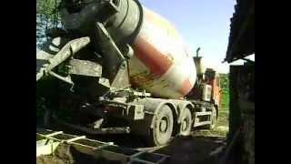Заливка бетона(Бетонирование ленточного фундамента для бани из профилированного бруса. www.yarterem.ru., 2012-05-25T14:08:26.000Z)