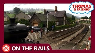 Level Crossing | On The Rails | Thomas & Friends