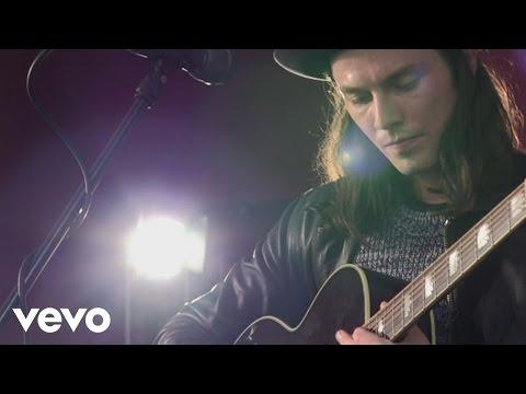 James Bay - Hold Back The River (Live At hmv Manchester)