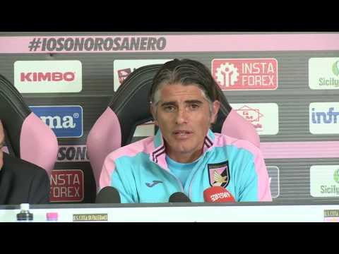L'uruguaiano Diego Lopez è il nuovo allenatore del Palermo Calcio-la conferenza stampa