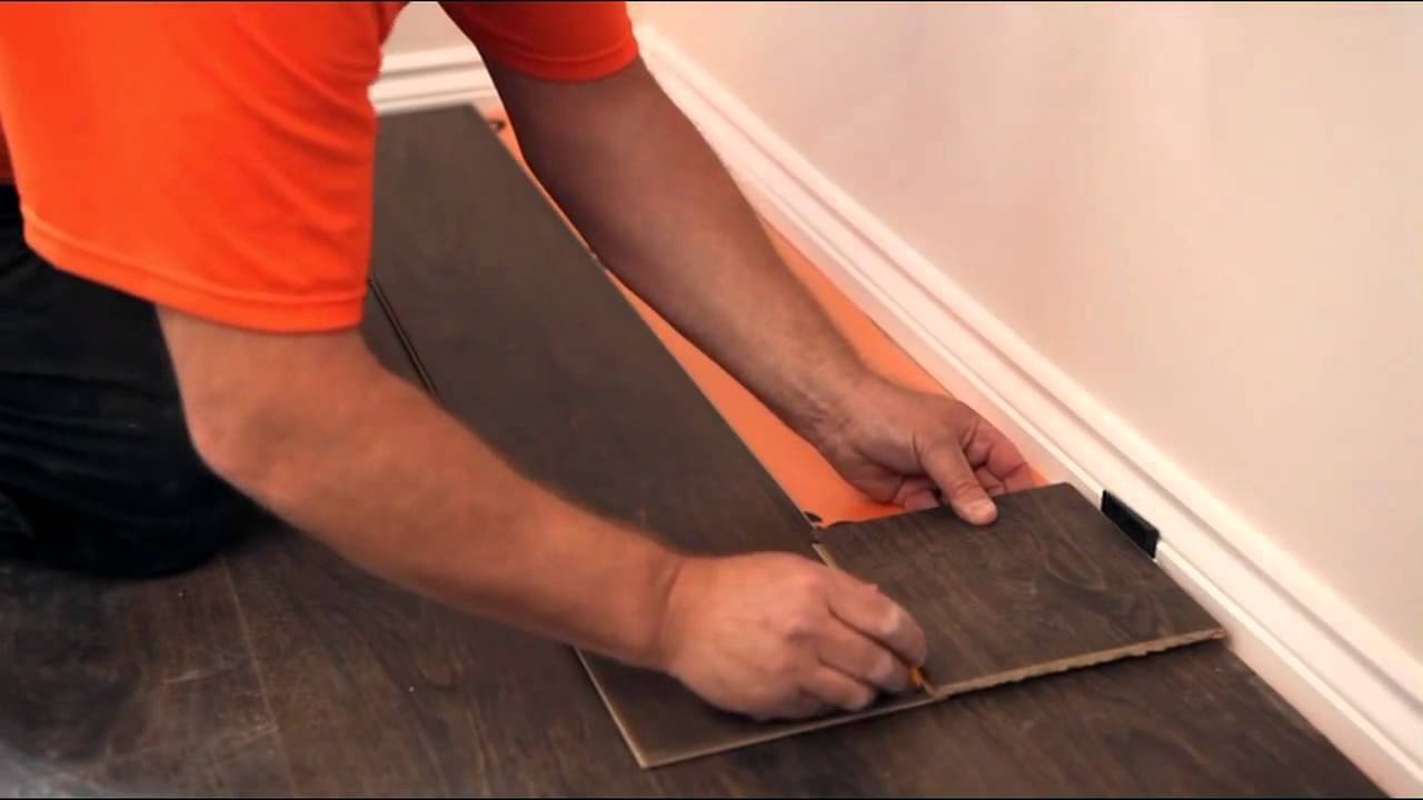 How to lay a laminate floor youtube for Laying flooring