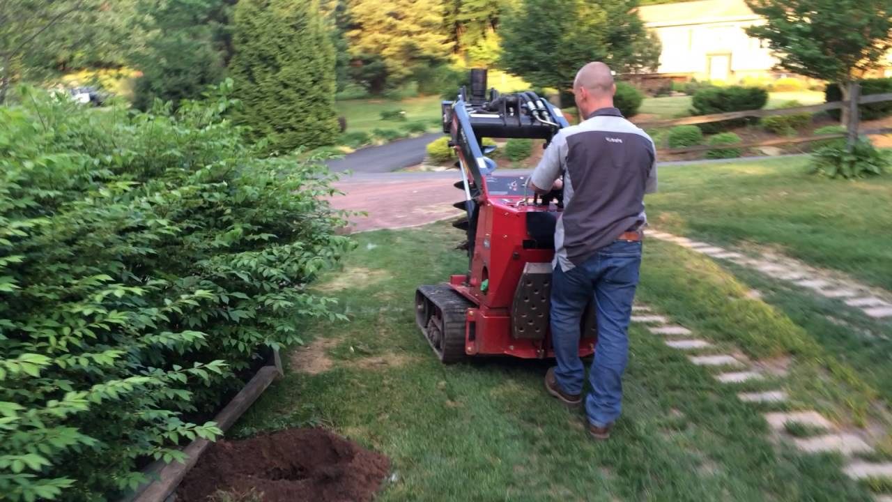Toro Dingo Great For Digging Holes For Fence Posts Trees