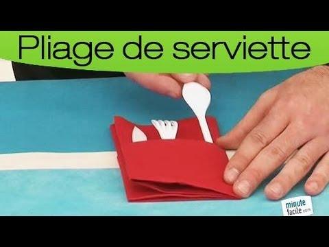 Plier des serviettes en pochette à couvert - YouTube