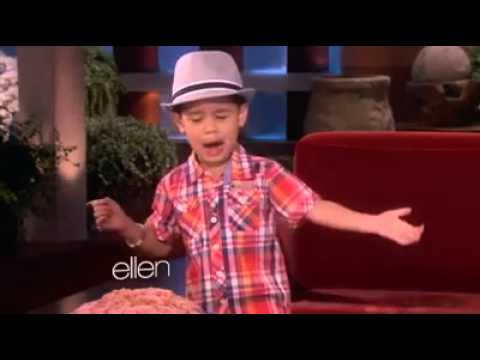 Little Filipino Kid Sings Bruno Mars Song share
