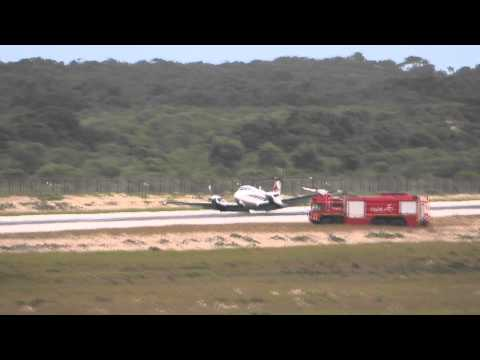 ZS-MCE Wheels-up emergency landing at Port Elizabeth Airport, South Africa