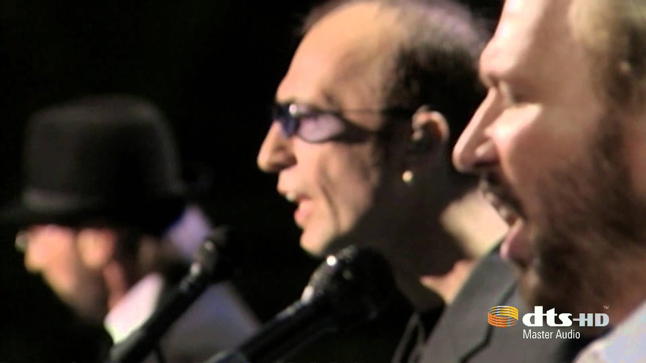 Bee Gees - Islands In The Stream - YouTube