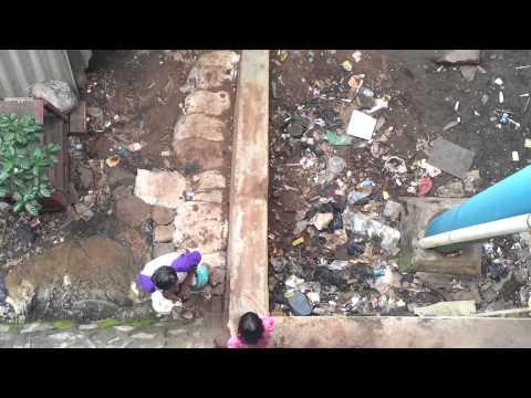 Jakarta-the children from slums have fun