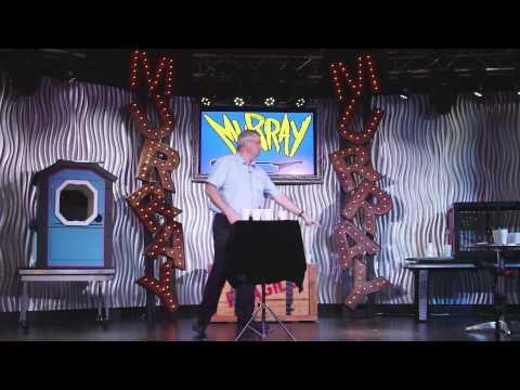 Murray Guest Stars on Expedia's Sinternship