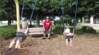 Swinging Siblings 2