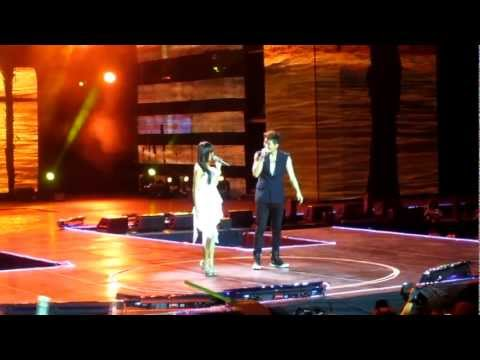 [FANCAM] 130309 Mubank JKT - Eru & Hyorin singing