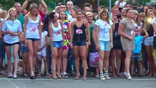 Video RUSSIAN GIRLS, CRAZY DANCE and RUNNING in High Heels, Awesome! download MP3, 3GP, MP4, WEBM, AVI, FLV Juni 2018