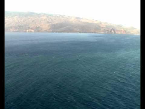 Erupcion volcan en el hierro abre bocas cerca de la costa - Cercas de hierro ...