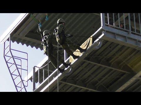 女性自衛官も降下!! レンジャー訓練展示 Ranger  リペリング Rappelling 海田市駐屯地 2018 陸上自衛隊  Japan Ground Self-Defense Force