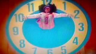 "Big Comfy Couch - Clock Rug Stretch with the ""new"" Loonette (with the Clock Rug Stretch 2 music)"