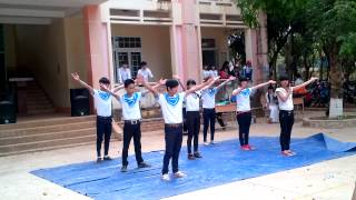 THPT NĐC - Bâng Khuâng Trường Sa 10c1 (Chào mừng 26/03/2014)