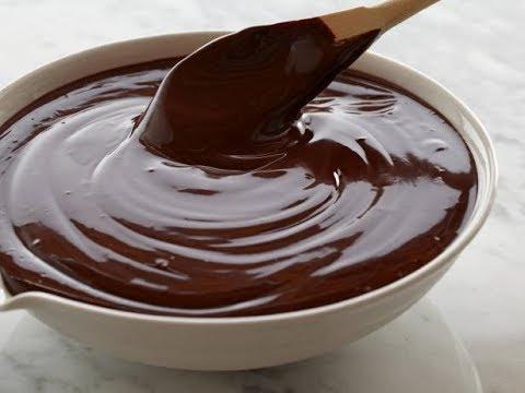 Calda de Chocolate básica para bolos pudim sorvetes e sobremesas em geral