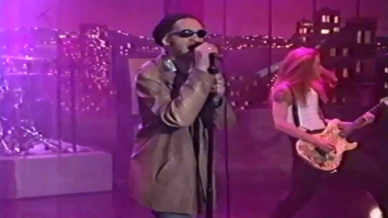 alice-in-chains-again-we-die-young-late-show-with-david-letterman-1996-hd-alice-in-chains-fans-ii