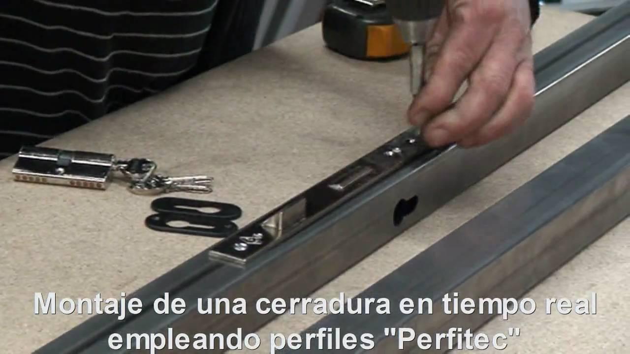 Video 2 puertas met licas innovaci n cerrajer a c mo usa for Modelos de puertas metalicas
