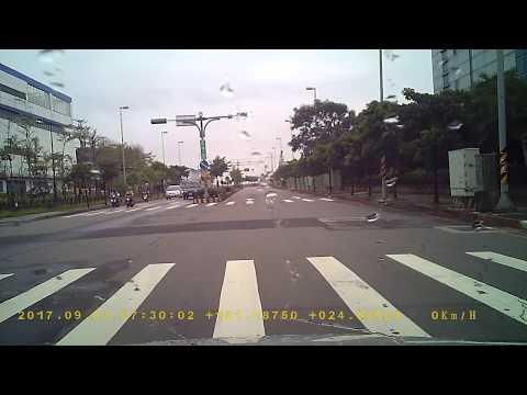 機車闖紅燈,1526-P9變換車道不打燈PICT2305