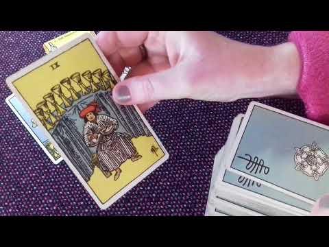 Tarot card spread based on the Magician