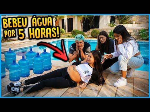 ELA BEBEU ÁGUA DURANTE 5 HORAS E ACONTECEU ISSO!! ( PASSOU MAL ) [ REZENDE EVIL ]