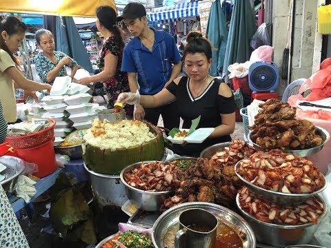 Quán xôi gà ngon nức tiếng ở chợ Bà Chiểu, thu về 15 triệu mỗi ngày - Khám phá vùng quê