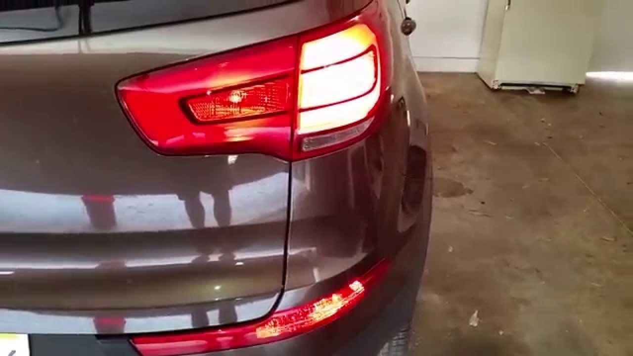 2014 Kia Sportage - Testing Tail Lights After Changing Bulbs - Brake  Turn Signal  Reverse