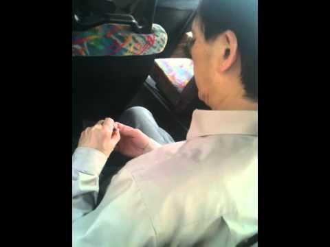 Hong Kong Cutting nails on 962 bus