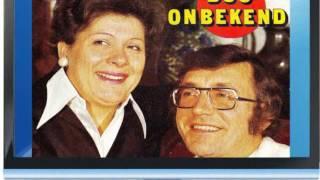 Duo Onbekend  /   In Gedachten Zie Ik Het Kerkje Weer. wmv
