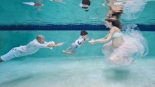 Underwater Maternity family photo s...